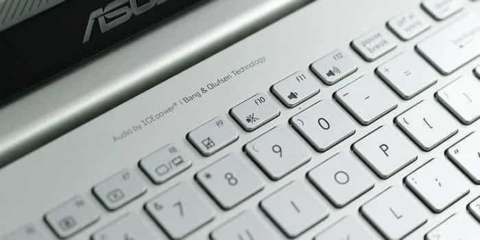 ASUS-N501JW-keyboard