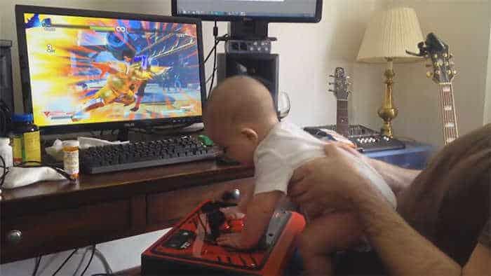 Baby plays Street Fighter V